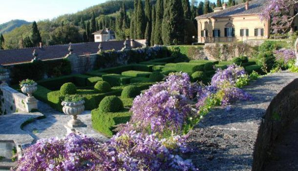 Tuscany's Open Courtyards & Gardens 2016
