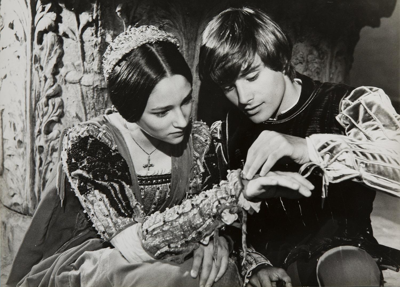 Romeo Juliet Exhibition At Pienza Tuscan Trends